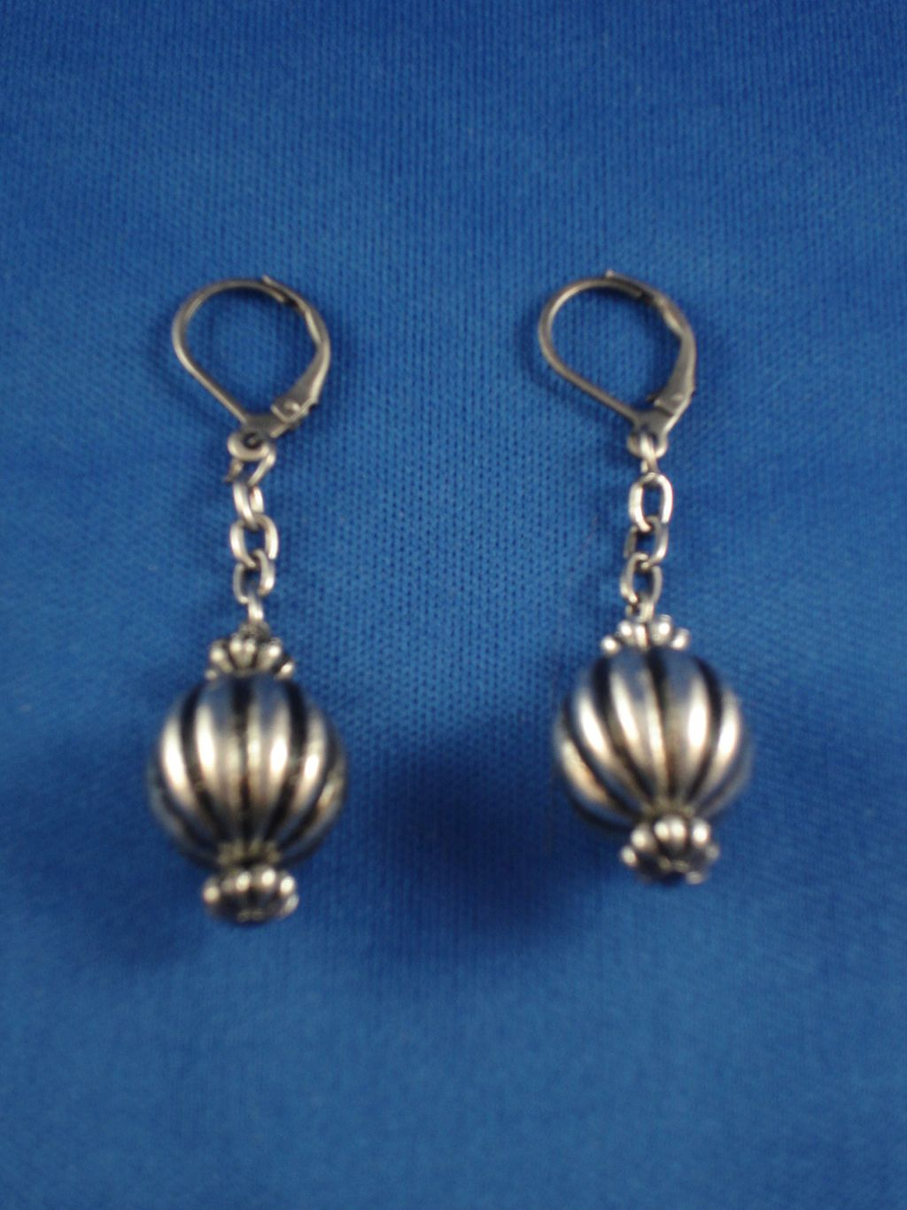 Antique Style Ball Earings On Chain Anti Allergic Jewelry