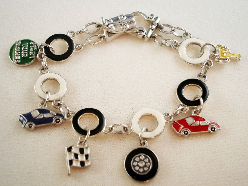 Car Racer Bracelet, Car, Tire, Cup & Flag Charms, Magnetic Lock, Anti-allergic Jewelry