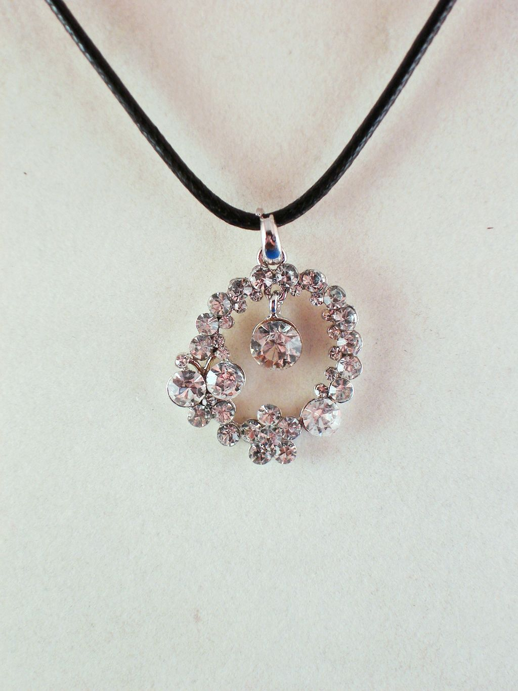 clear austrian crystals dangle charm pendant necklace