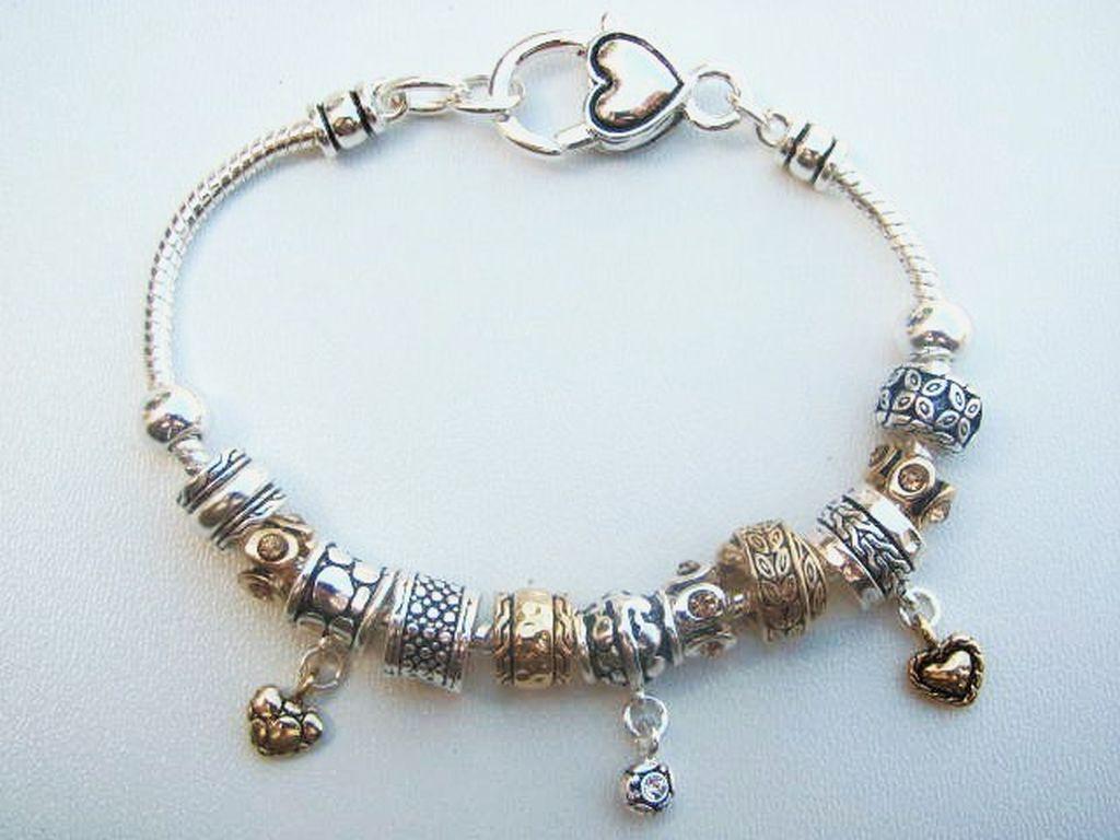 Seeking teens'_9 vintage heart bracelet vid