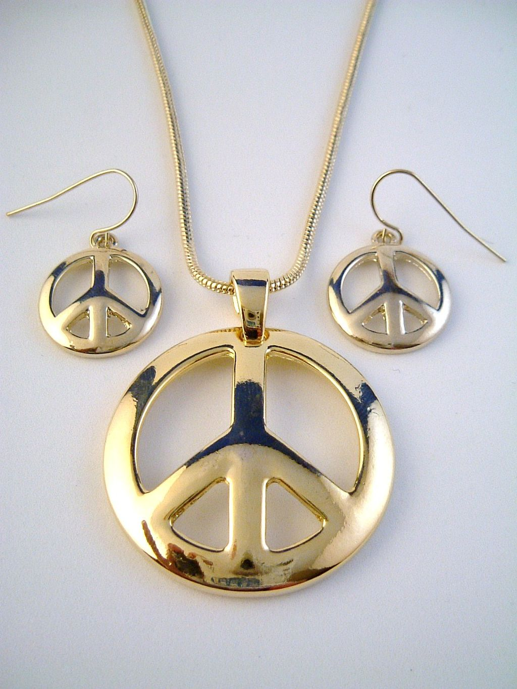 Peace Sign Pendant Gold Tone Necklace & Earrings Jewelry Set