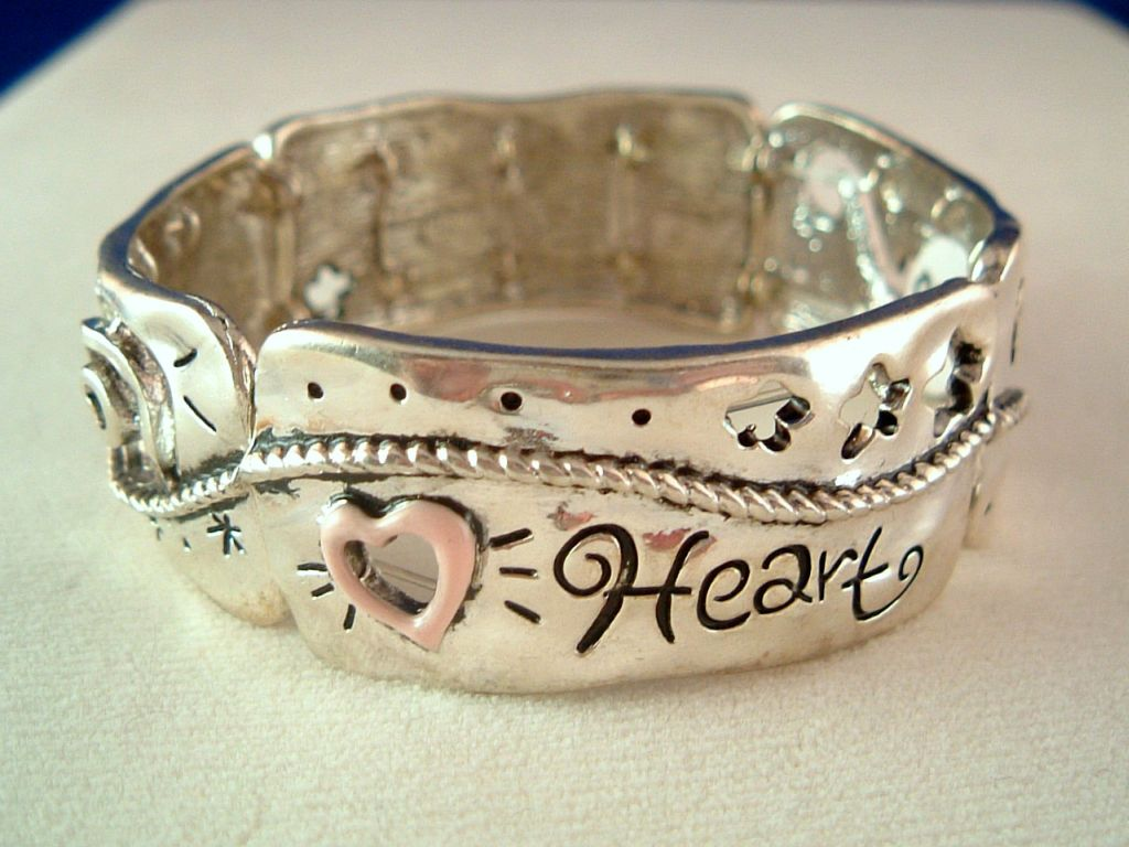 Pink Heart Vintage Style Inspirational Stretching Bangle Bracelet, Silver Finish Metal, Anti-allergic Jewelry