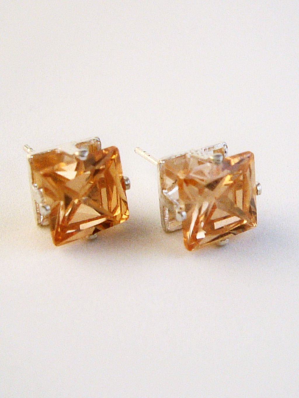 Topaz Princess Cut Silver Stud Earrings Genuine CZ Cubic Zirconia