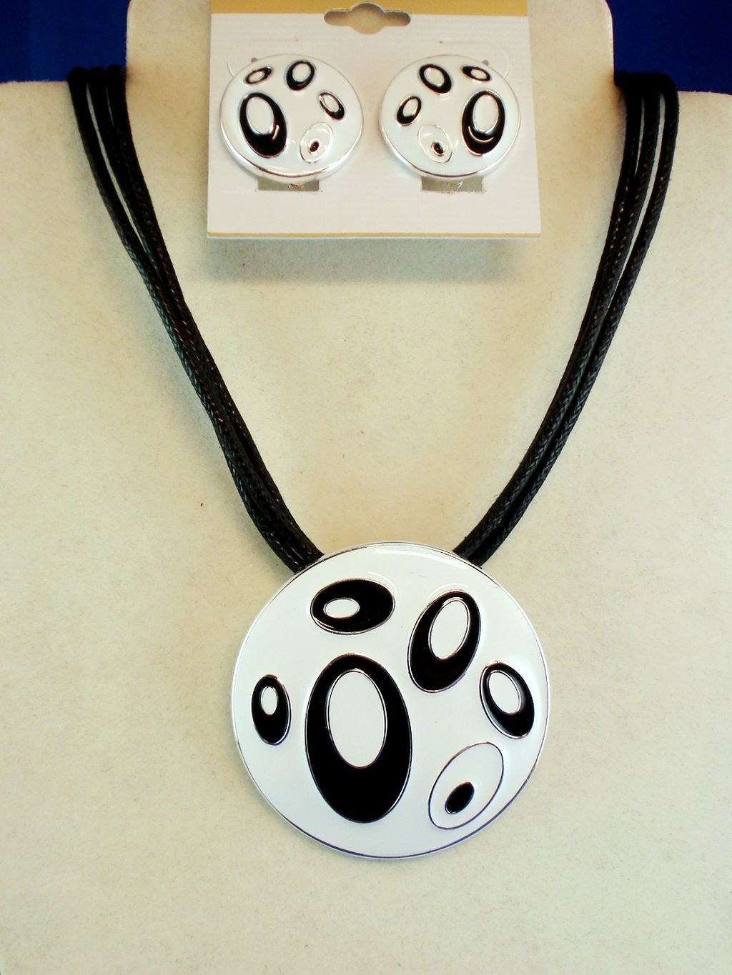 White Tiger Animal Print Set of Circle Pendant Necklace & Clip Earrings, Silver Tone Metal, Black Cotton Cord, Anti-allergic Jewelry