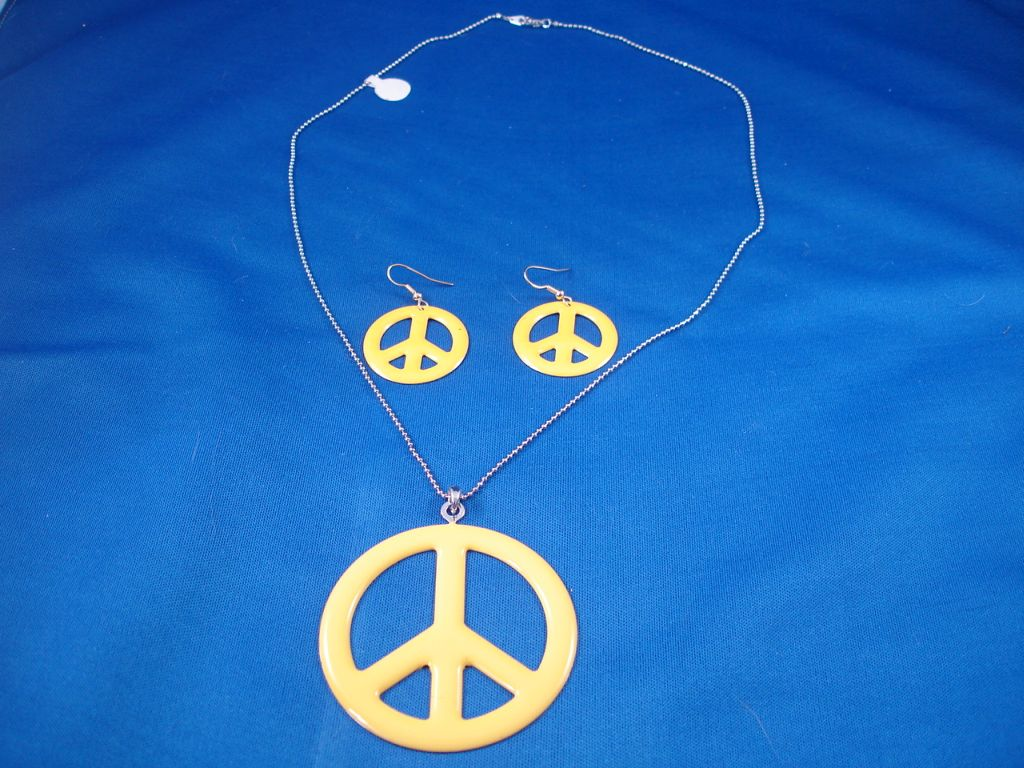 Yellow Peace Set of Necklace and Earrings
