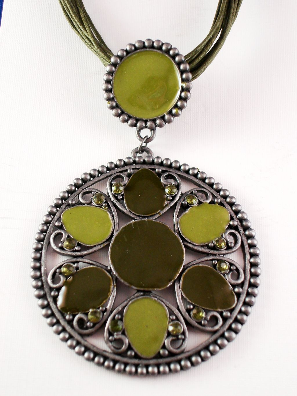 Green Circle Filigree Pendant Necklace, Flower w/ Crystals, Classic Style, Cotton Cord, European Fashion Jewelry