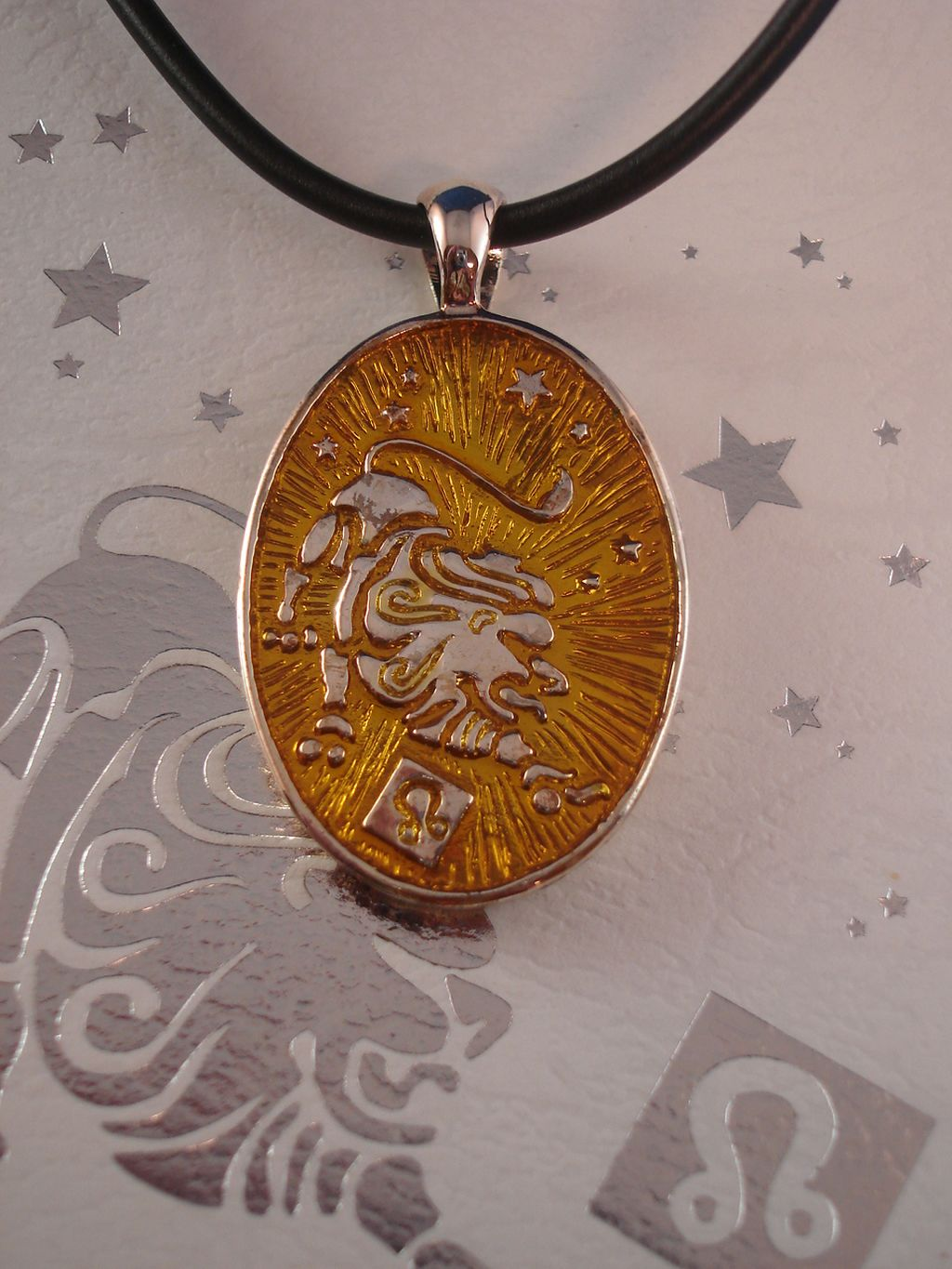 Leo Symbol Zodiac Sign Necklace, Reversible Metal Pendant w/ Side Engraving