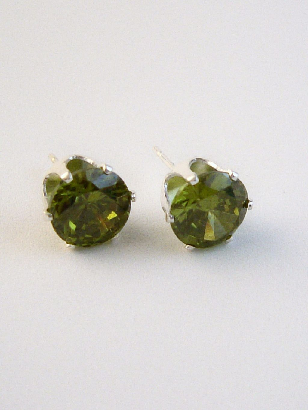 Peridot Round Cut Silver Stud Earrings Genuine CZ Cubic Zirconia