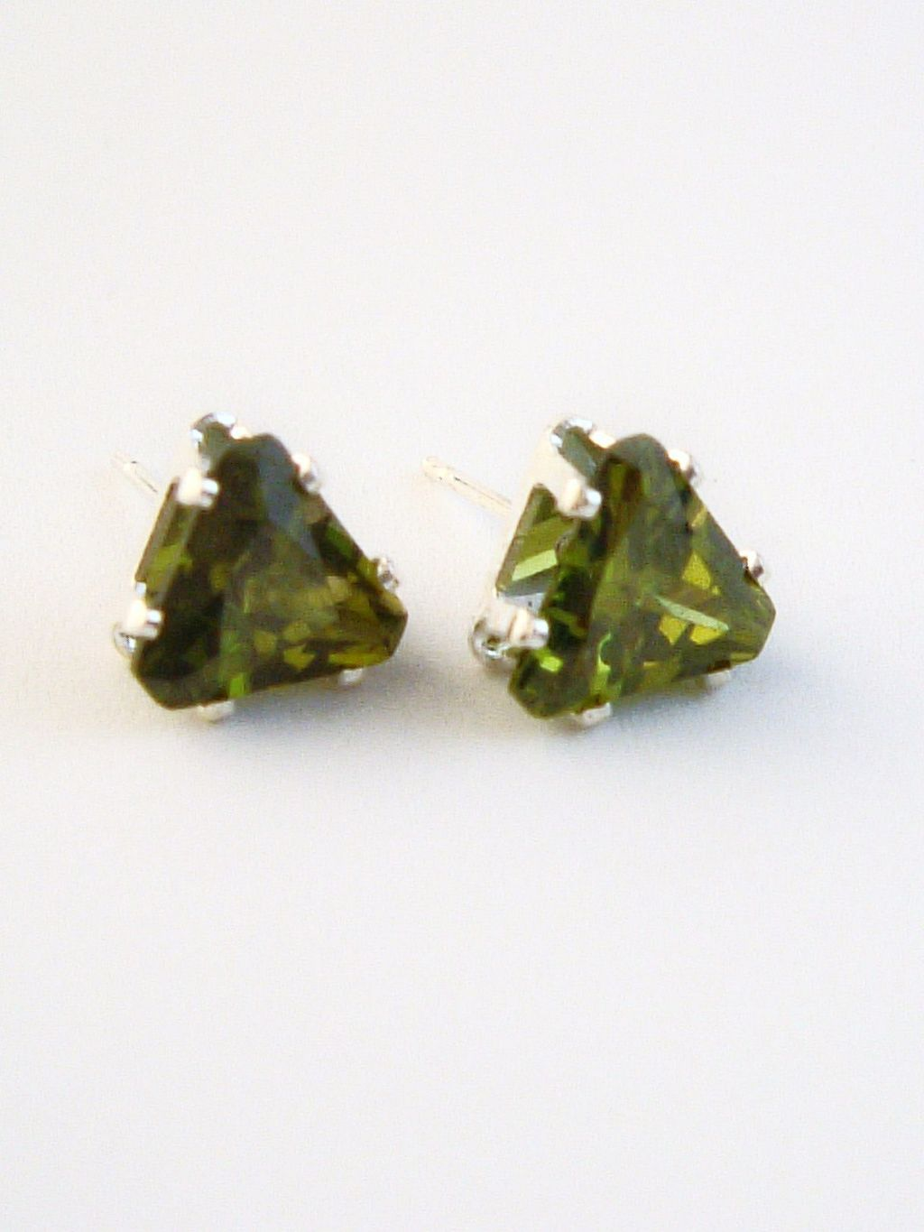 Peridot Triangle Cut Silver Stud Earrings Genuine CZ Cubic Zirconia