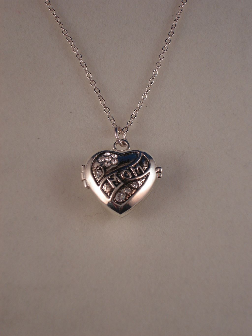 Picture Holder Mother`s Day Necklace, Heart Pendant, Silver Color, Non-Allergic Jewelry