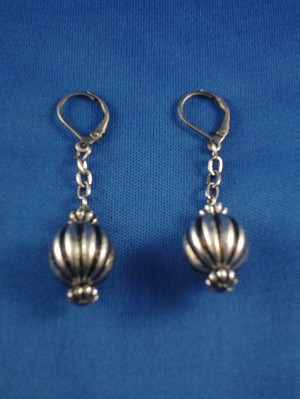 Antique Style Ball Earings on Chain, Anti-allergic Jewelry