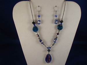 Blue Stained Glass Set of Necklace & Earrings, Leaf Pendant, Non-Allergic Jewelry