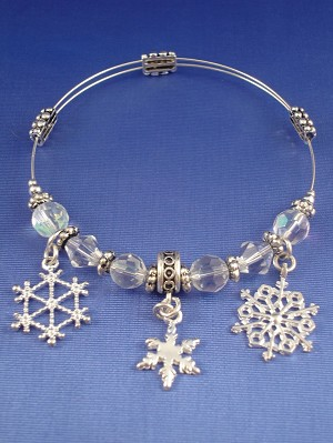 Christmas Stretching Bangle Bracelet, Snow Flakes Charms, Stained White Glass & Metal Beads, Sterling Silver Plated