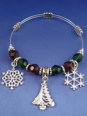 Christmas Stretching Bangle Bracelet, Snow Flakes & Tree Charms, Stained Green/Red Glass & Metal Beads, Sterling Silver Plated