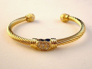 Designer`s Touch, Twisted Rope / Cable Heart Cuff Bangle Bracelet, Gold Finish Metal, CZ Cubic Zirconia, Anti-allergic Jewelry