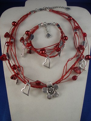 Hearts, Flowers, Keys Charms, Red Set of Necklace & Bracelet, Natural Stones, Beads, European Fashion Jewelry