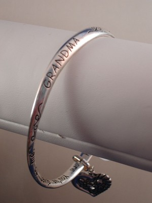 Love GrandMa/GrandMother Inspirational Twisted Bangle Bracelet with Engraving, Heart Charm, Sterling Silver Plated