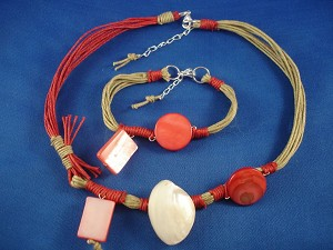 Red/Beige Set of Necklace & Bracelet, Black Sea Shells & Wooden Charms, European Fashion Jewelry
