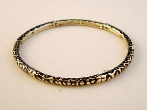 Snake Animal Print Stretching Bangle Bracelet, Black/Gold Ornament, Anti-allergic Jewelry