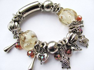 Turtle Delphine Silver Charms Beige Glass Stretching Bracelet